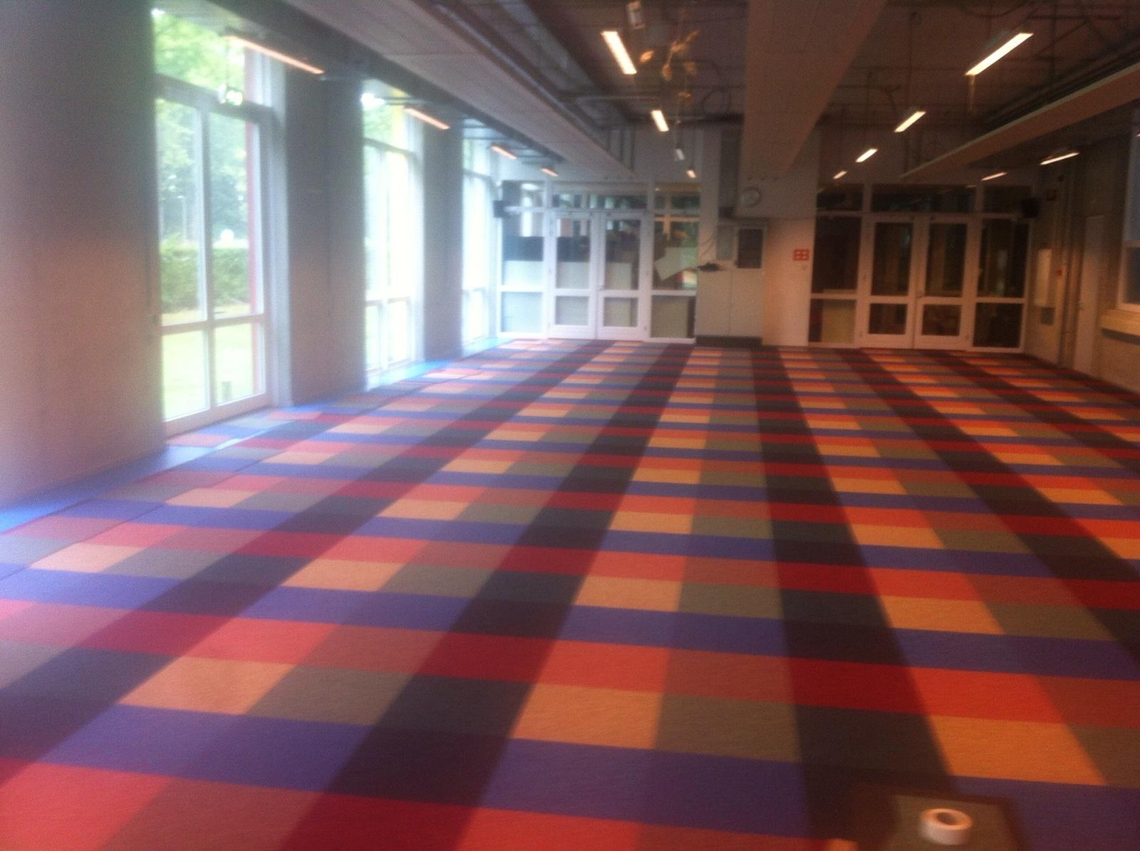 Houten Vloeren Roermond : Massief houten vloer zwevend leggen vloeren jos habraken zwevend